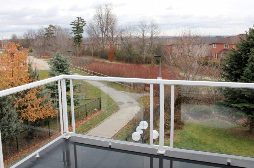 146-colesbrook-road-balcony