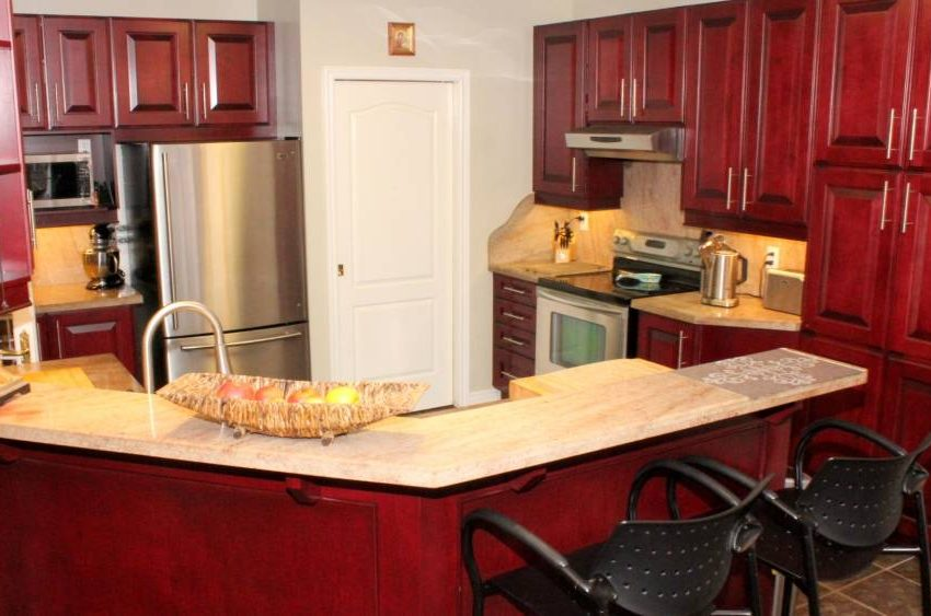 146-colesbrook-road-kitchen2