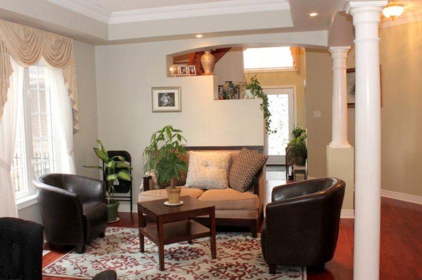 146-colesbrook-road-livingroom